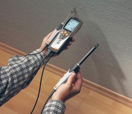 Misurazione dell umidita nei muri con termoigrometro a contatto
